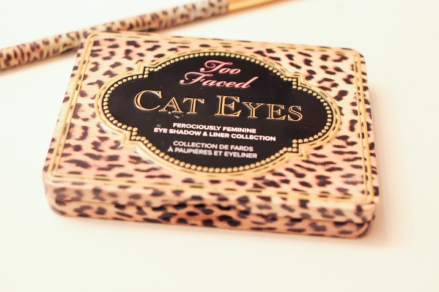 Too Faced Cat Eyes Palate and Brush