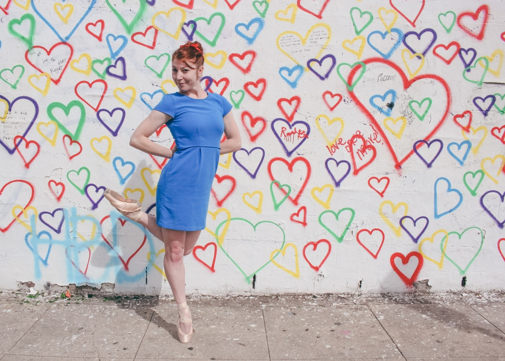 Color Pointes - royal urban art heart wall