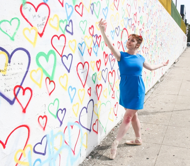 Color Pointes - royal urban art heart wall